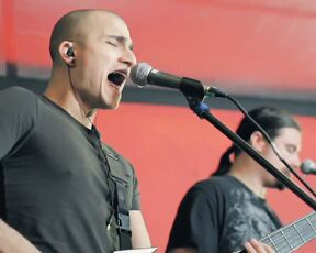 Trivium - Shattering The Skies Above